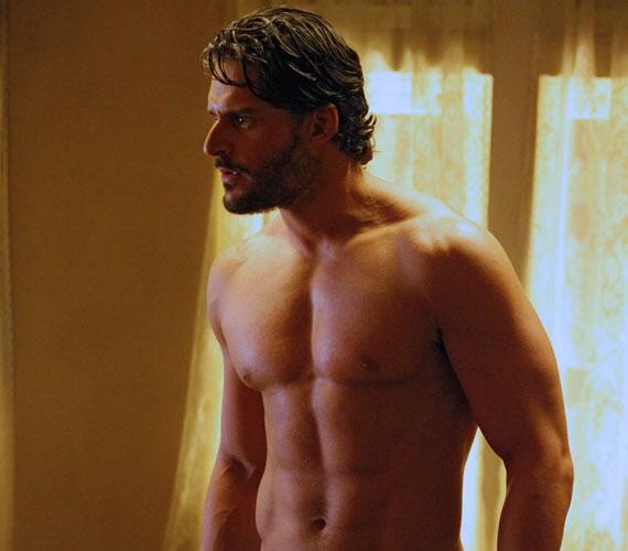 A sármos szívtiprót 2011-ben a Men's Health magazin a nyár legjobb testű férfijának kiáltotta ki, a fotókat elnézve érthető, miért.
