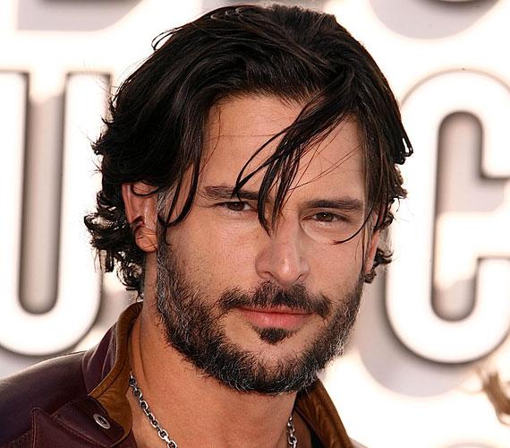 A színész a True Blood - Inni és élni hagyni című sorozat harmadik évadjában tűnt fel, mint az Anna Paquin által megformált Sookie farkasember-testőre.