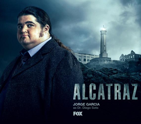 2012-ben megkapta az Alcatraz című sorozatban dr. Diego Soto szerepét.