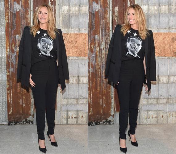 A Givenchy partiján Julia nagyon lezser és elegáns volt ebben az egyszerű, nadrágkosztümös összeállításban is.
