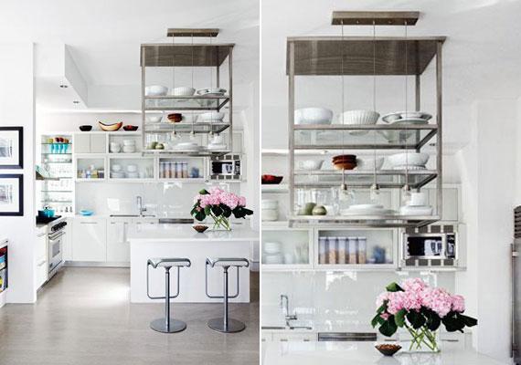 A konyha nem túl nagy, de a helytakarékos megoldásoknak köszönhetően zsúfoltság nélkül sok minden kapott helyet. A felfüggesztett acélpolc remek ötlet volt.