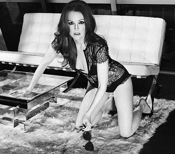 Kiki de Montparnasse csipkés body-jában igazán dögös volt az 53 éves színésznő.