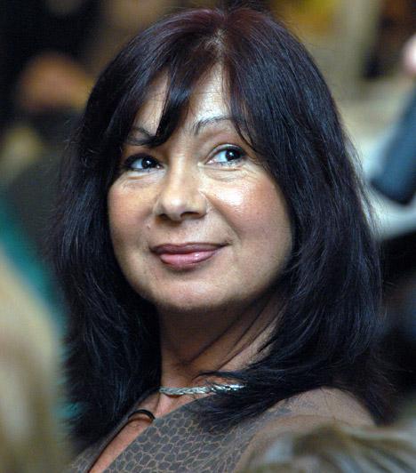 Eszményi ViktóriaA country-énekesnőt sokan a 100 Folk Celsiusból ismerik, de színésznőként is bizonyította már tehetségét. Eszményi Viktória 1951. június 14-én született.
