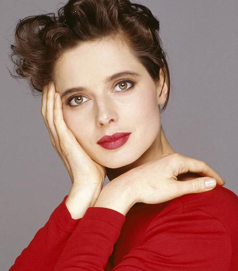 Isabella Rossellini  Az olasz származású színésznő modellként kezdte karrierjét, majd olyan legendás alkotásokban tűnt fel, mint a Kék bársony vagy a Halhatatlan kedves, de rendezőként is bizonyította tehetségét. Isabella Rossellini 1952. június 18-án született.  Kapcsolódó sztárlexikon: Ilyen volt, ilyen lett: Isabella Rossellini »