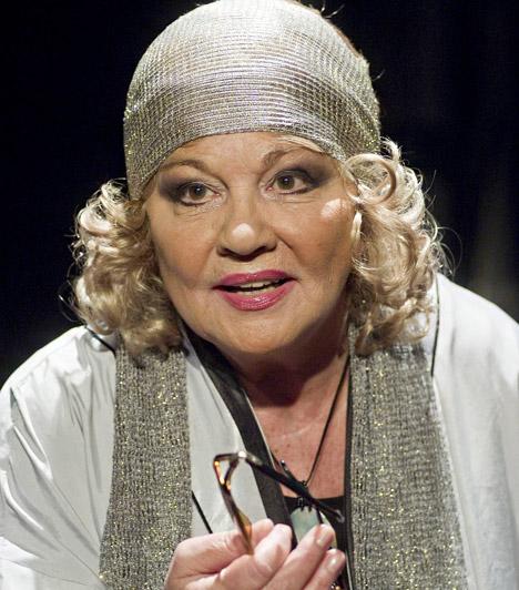 Almási ÉvaKossuth-díjas színésznőnk fél évszázados pályafutást tudhat a háta mögött, mely során olyan nagysikerű darabokban játszott, mint a Macskák vagy a III. Richárd, de a filmvásznon és a képernyőn is gyakran feltűnt. Almási Éva 1942. június 5-én született.