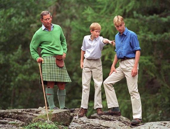 A fiatal Vilmos és Harry herceg is nagyon szerettek itt lenni, ilyenkor sokat túráztak édesapjukkal. Egy korábbi interjúban azt nyilatkozták, hogy olyanok voltak a skóciai utak számukra, mintha cserkésztáborban lettek volna.