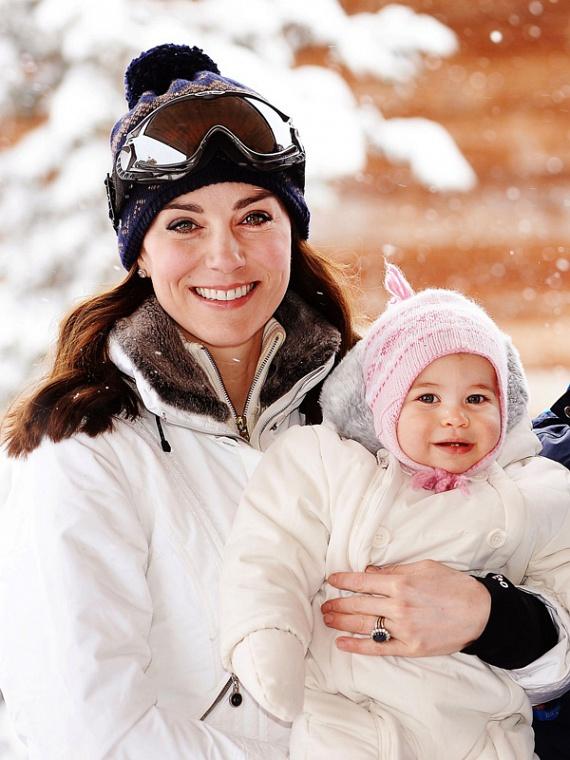 Vilmos herceg csak hónyusziknak hívta feleségét és kislányát a téli vakáción. A képeket elnézve találóbb becenevet nem is adhatott volna az összeöltözött párosnak.