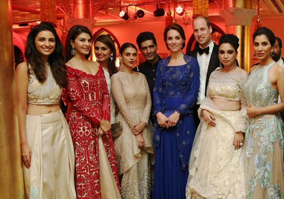 A hercegi pár a banketten találkozhatott a legnagyobb bollywoodi sztárokkal is, akik Katalin hercegnéhez hasonlóan szintén híresek jótékonysági tevékenységükről.