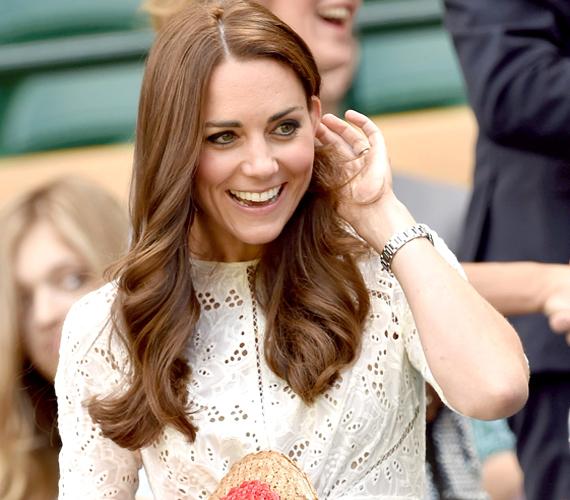 2014 a híres frufrumentes év volt, amikor Katalin hercegné ismét megnövesztette barna fürtjeit, de a jól bevált világosbarna színt megtartotta.