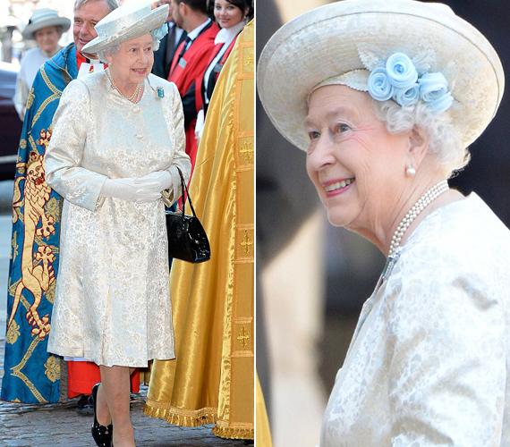 A királynő Angela Kelly kreációját választotta, melyet osztrigaszínű szatén-brokátból készítettek. Éveken keresztül ez az anyag díszítette a Buckingham-palota szobáit.