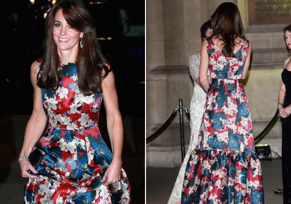 Még a hátát is megcsodálhattuk a ruhának, ami igazán remekül állt a filigrán hercegnének.