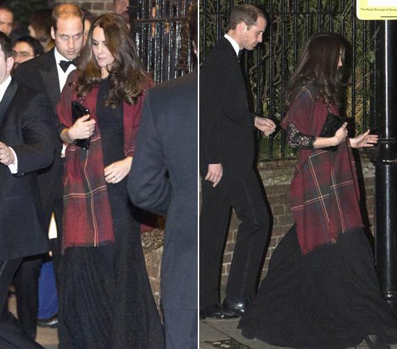 Az esküvőre menet egy kockás kendőt terített a vállára, mely eltakarta a babapocakját is.