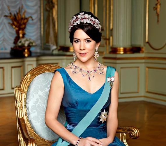 Mária dán királyi hercegné mielőtt feleségül ment Frigyes királyi herceghez, a reklámiparban dolgozott. Egyre haladt felfelé a ranglétrán, míg a Microsoft egyik fiókjának igazgatója lett.
