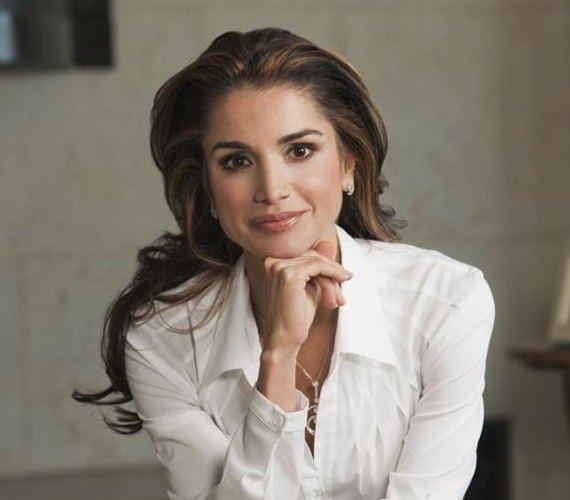 Rania jordán királyné általános és középiskolai tanulmányait Kuvaitban folytatta, majd a Kairói Amerikai Egyetemen tanult, ahol üzleti diplomát szerzett. Ezután a bankszektorban - Citibank -, később pedig egy informatikai cégnél - Apple Inc. - dolgozott Ammanban.