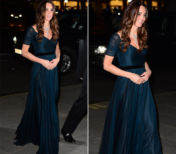 A hercegnő kedvenc tervezője, Jenny Packham egyik kék selyem-tüll darabját választotta az estélyre.