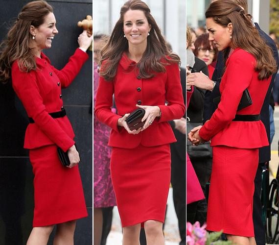 Az egyik legkedvesebb kosztüme ez a piros Luisa Spagnoli darab, melyet már többször láthattunk rajta, például 2011-ben a St. Andrews Egyetemen vagy a Christchurch-ön.
