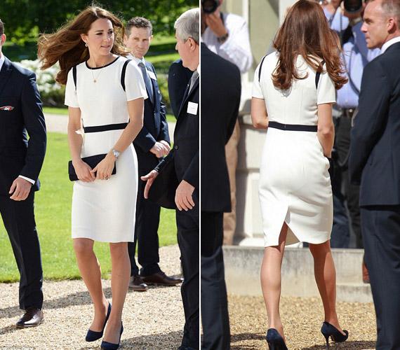 Júniusban Greenwich-be látogatott el. A hercegnő ruhája a Jaegerből származik, 38 ezer forintért bárki megvásárolhatja.