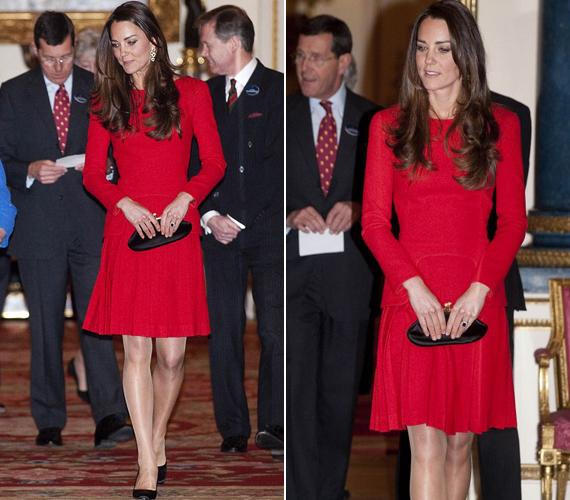 Most legalább az nem fenyegette Katalin hercegnőt, hogy a szél belekap a ruhájába.