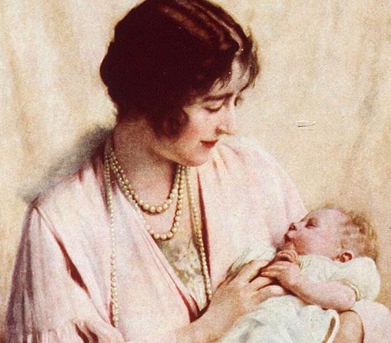 II. Erzsébet királynő édesanyja karjaiban.