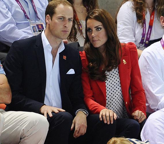 2012 augusztusában, az olimpia idején egy fehér alapon fekete pöttyös felsőt viselt piros blézerrel és sötét nadrággal - nagyon stílusosak voltak Vilmos herceggel.