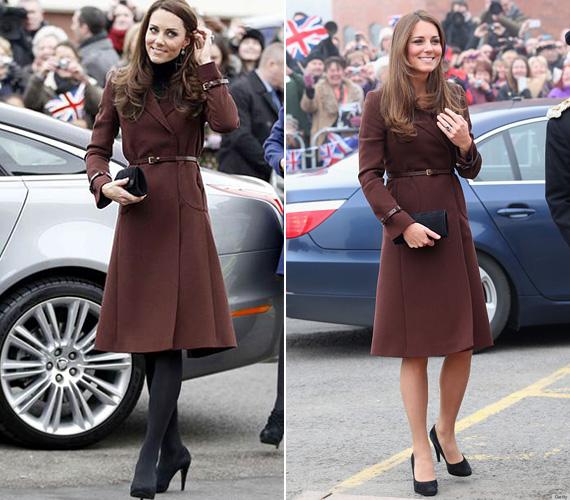 A barna Hobbs kabátot először 2012 februárjában láthatták Katalin hercegnőn a liverpooli alattvalók - egy garbóval és fekete harisnyával kiegészítve -, 2013 márciusában pedig ugyanezt vette fel, amikor Grimsbybe látogatott.