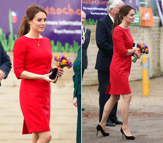 Novemberben viselte ezt a csodálatos piros Katherine Hooker ruhát Norfolkban.