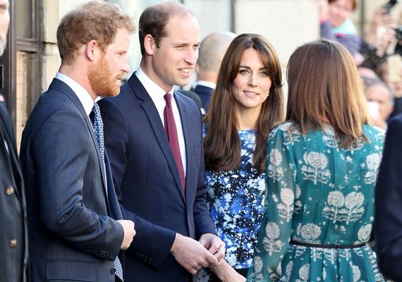 A hercegi párnak a kötelesség az első, a premier után egy gyermekjóléti alapítvány vezetőjével is találkoztak.