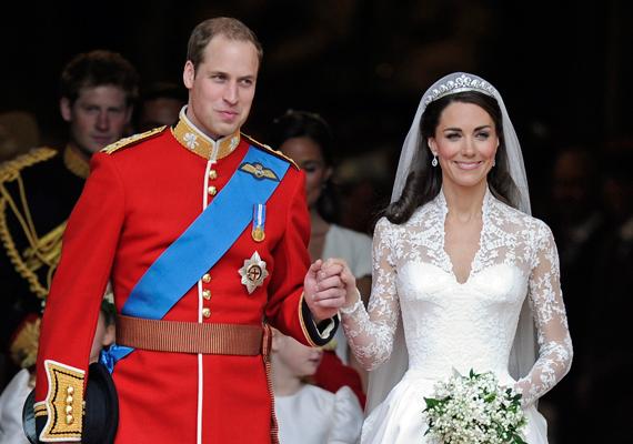 Katalin a két nőt az esküvőjükről is kitiltotta.
