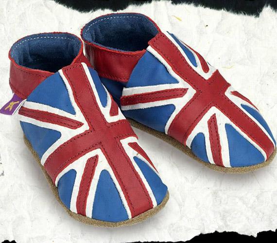 A rengeteg babacipőből ez az egyik variáció, amit a kis herceg érkezésének tiszteletére kezdtek gyártani.