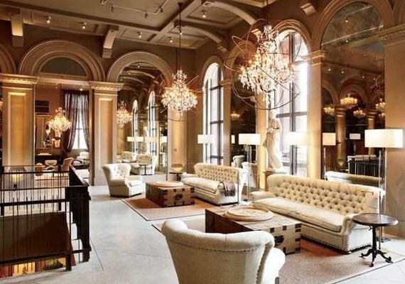 A nappalijuk bármelyik királyi palotában megállná a helyét, egyszerűen gyönyörű a berendezése.