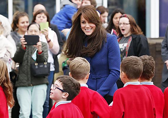 A hercegné nagy támogatója a szóbeli bántalmazásellenes programnak, a gyerekek figyelmét is felhívta arra, hogy ne viselkedjenek csúnyán a társaikkal.
