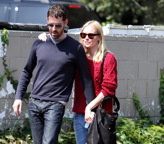 Egy romantikus séta Beverly Hills utcáin - Kate Bosworth és Michael Polish meg sem próbálták leplezni kapcsolatukat.