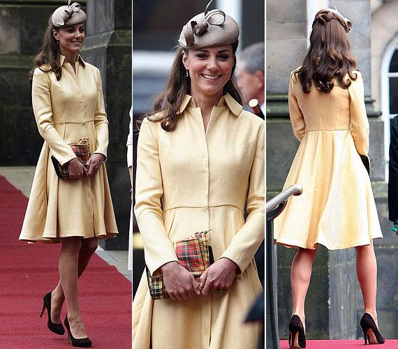 Katalin hercegnét legutóbb, július 5-én, egy halványsárga Emilia Wickstead-kreációban láthattuk, amelyhez barna Whiteley-kalapot párosított.
