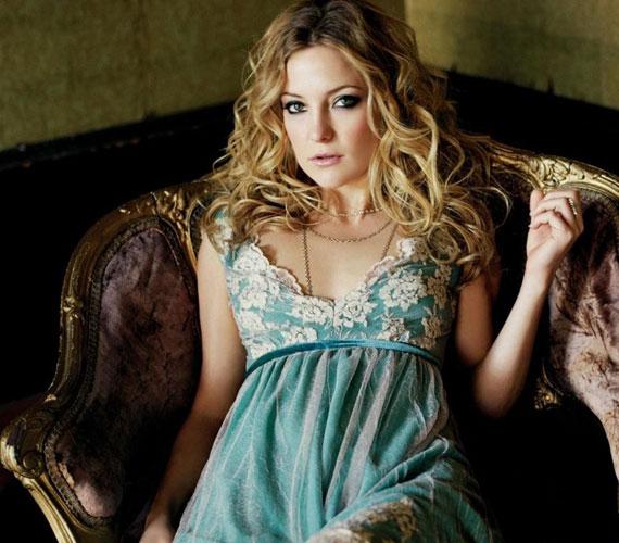A színésznő korábban Chris Robinson rocksztár felesége volt, 2007-es válásukat követően pedig Alex Rodriguezzel randevúzott.