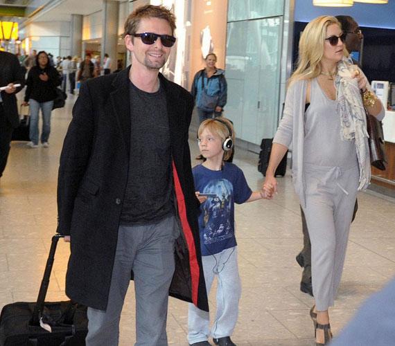 A kétgyerekes színésznő 2010 tavasza óta a Muse együttes frontembere, Matthew Bellamy barátnője, akivel 2011 áprilisában jegyezték el egymást.