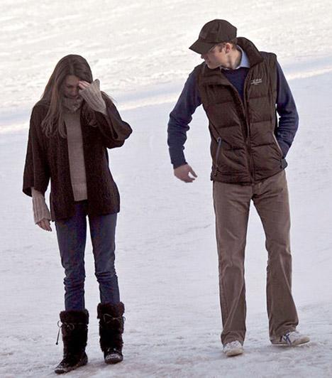 Téli fotók  A róluk készült első lesifotók egy németországi síelés alkalmával készültek, 2010 márciusában ismét a téli sportoknak hódoltak - ezúttal a francia Alpokban.  Kapcsolódó cikk: Íme, Kate Middleton bikiniben »
