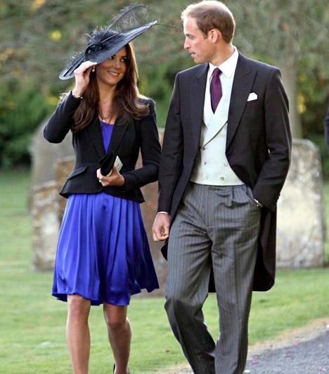 Titkos eljegyzés  Kate gyönyörű kék selyemruhában és fekete kalapban érkezett Harry Meade és Rosemarie Bradford esküvőjére, melyet 2010 októberében tartottak Londonban. Ekkor már jegyesek voltak, ám ezt a sajtó előtt még nem fedték fel.  Kapcsolódó képgaléria: Kate Middleton élete képekben »