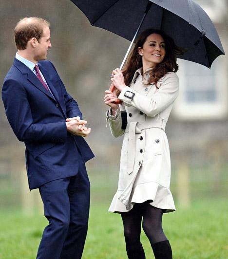 Ír kiruccanás  A pár 2011 márciusában Észak-Írországba utazott, hogy megnézzenek egy mezőgazdasági főiskolát - az esernyőre azért volt szükség, mert az írek vendégszeretete mellett hatalmas zápor fogadta őket.  Kapcsolódó cikk: Elbűvölő szépség! Íme, Kate Middleton húga, a bájos Pippa »