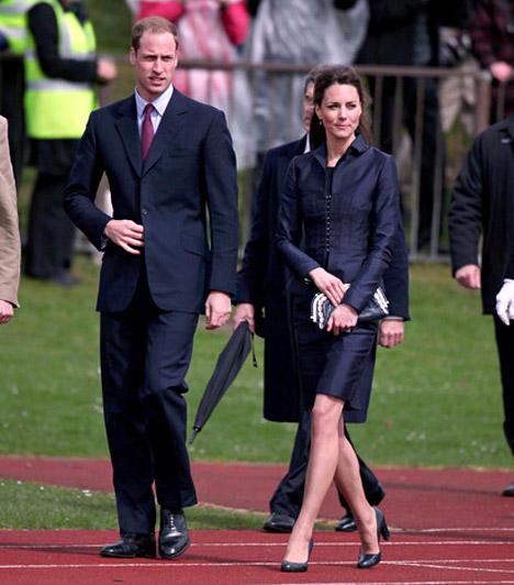 Összeöltözve  Az esküvő előtti utolsó hivatalos megjelenésükre április közepén került sor Észak-Angliában: a Darwenben található Witton Country Parkba látogattak el, hogy a szabadtéri sportokat népszerűsítsék. Az alkalomra mindketten sötét összeállítást választottak - mint általában, ezúttal is remekül illettek egymáshoz.  Kapcsolódó cikk: Íme, Vilmos herceg, ahogy még Kate Middleton sem látta »