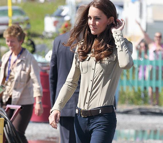 Katalin hercegnő az esküvő előtt egy-két évvel még nem volt ennyire vékony, bennfentesek szerint az utóbbi időben két ruhaméretet fogyott.
