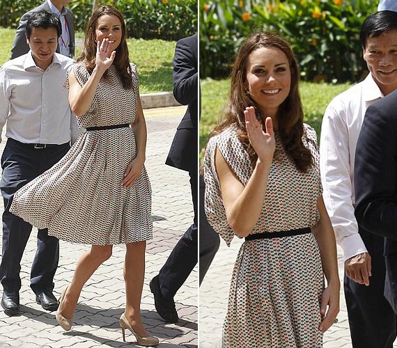 Szingapúri látogatásuk során egyik alkalommal egy lenge, drapp nyári ruhában fotózták le.