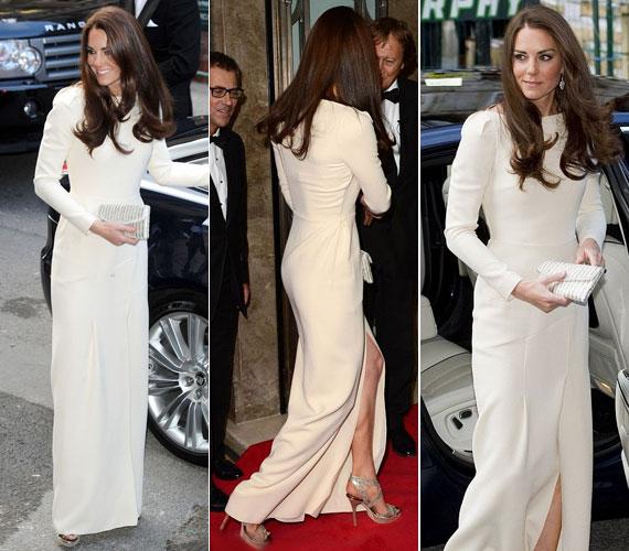 Minden lépésnél kivillant a gyönyörű szandál, amelyhez a hercegnő nagyon hasonló színű kistáskát párosított.