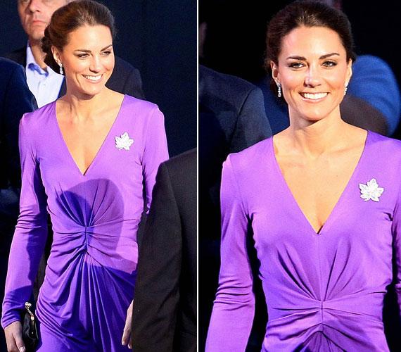 Az orgonalila ugyancsak kissé merész színválasztásnak tűnik, de a hercegnő ebben a ruhában is fantasztikusan festett.