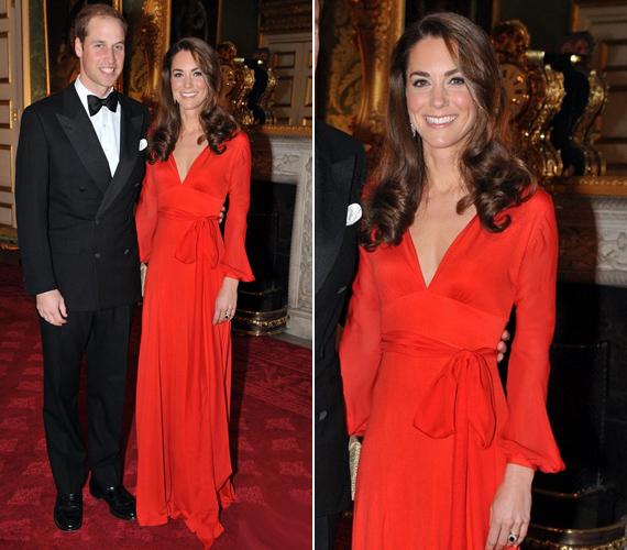 2011 őszéna 100 Women in Hedge Funds adománygyűjtő gáláján sokakat meglepett, hogy a hercegnő vörös estélyit választott.