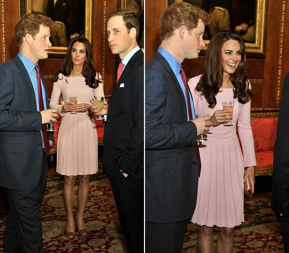 Május 18-án elegáns, halvány rózsaszín tavaszi ruhában vett részt egy fogadáson Vilmos herceggel és Harry herceggel.