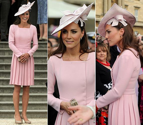 Májusban a Buckingham Palotában rendezett kerti partin ebben a rózsaszín Emilia Wickstead-kreációban keltett feltűnést, amelyhez egy Jane Corbett kalapot választott.