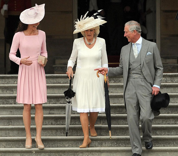 Károly herceggel és Kamillával együtt vett részt a II. Erzsébet tiszteletére rendezett kerti partin május 29-én.
