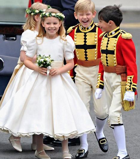 Vidám hangulat  Az esküvő vidám hangulatban telt - a legfesztelenebbek kétségtelenül a kis koszorúslányok és kísérőik voltak, akik talán a legkevésbé érzékelték a felhajtást.