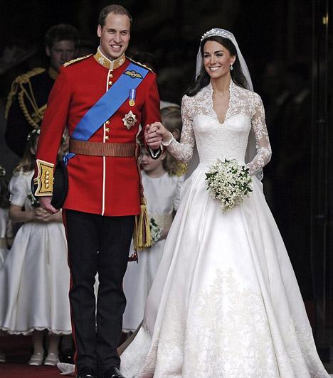 Elérkezett a nagy nap  2011. április 29-én pénteken végre elérkezett a pillanat, amely hónapok óta lázban tartotta Angliát - és az egész világot: Vilmos herceg oltár elé vezette kedvesét, Kate Middletont.  Kapcsolódó képgaléria: Vilmos herceg és Kate Middleton szerelme »