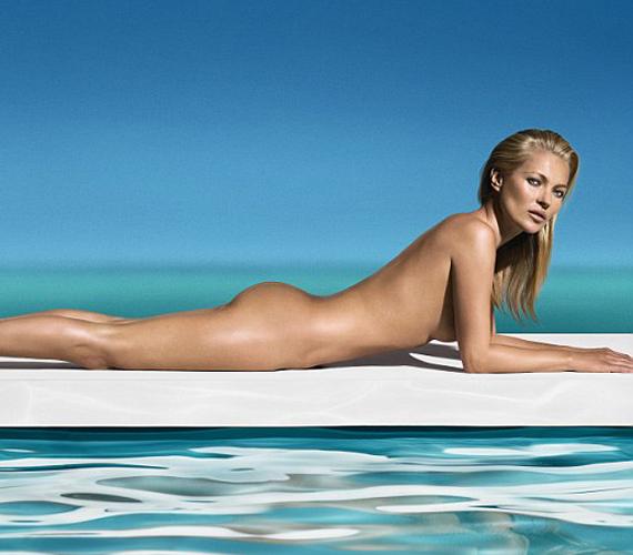 A modell a St. Tropez bőrbarnító márkájának lett az arca, vagy inkább teste a legújabb reklámkampányban.